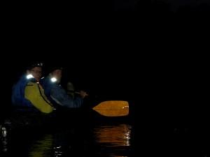 Naktinis-Plaukimas-Baidarėmis